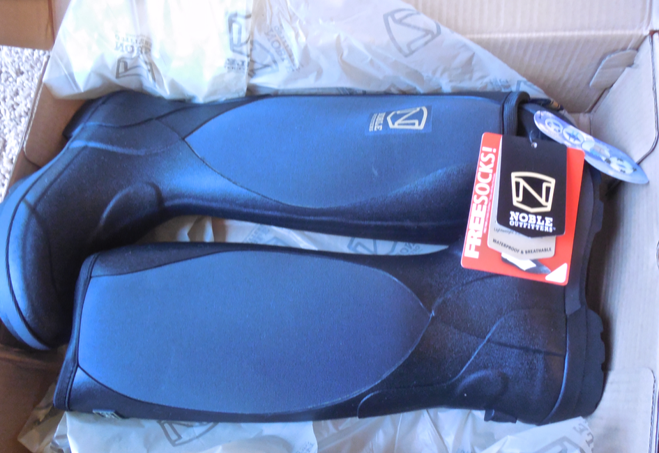 My new Muck boots arrived.  Noble Equine 'Muds'.  I was excited!  My old boots had a leak - ugh.