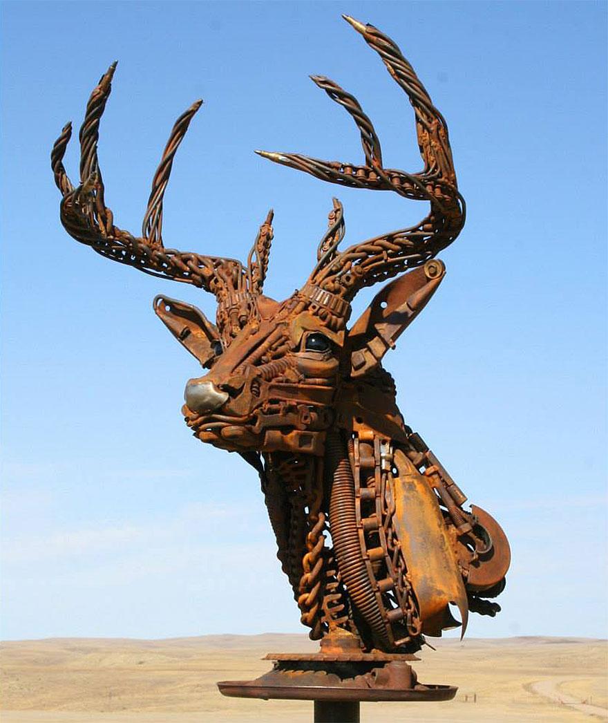 welded-scrap-metal-sculptures-john-lopez-1