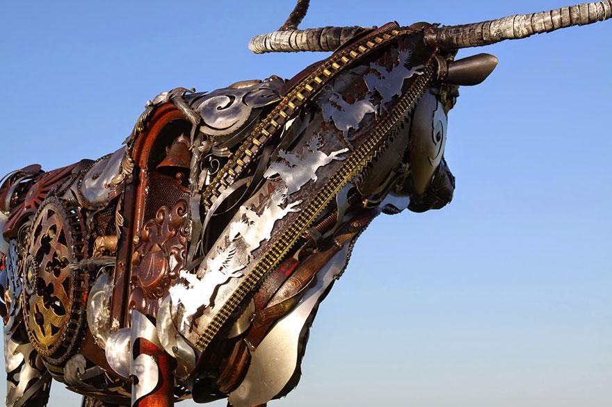 welded-scrap-metal-sculptures-john-lopez-11