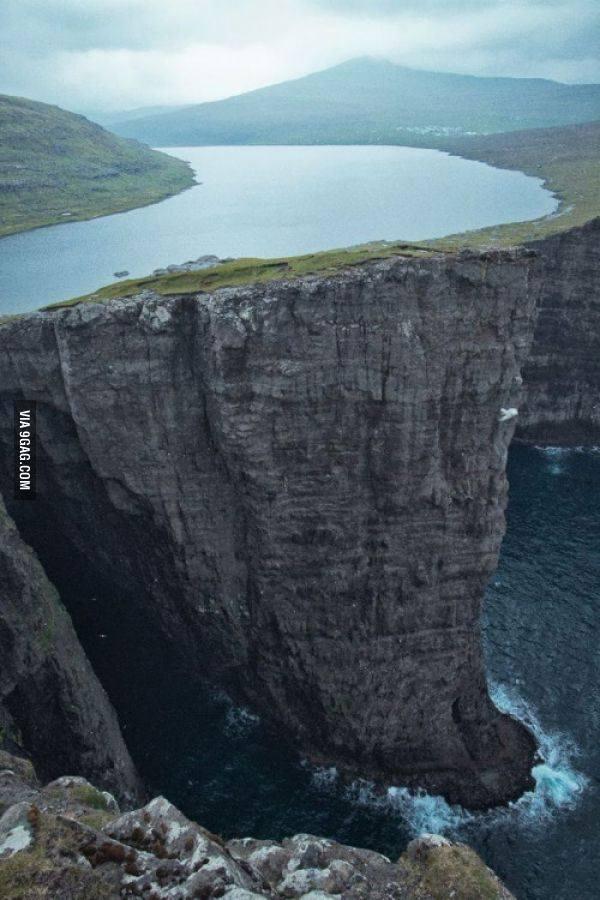 Lake Sorvagsvatn, located in the Faroe Islands between Norway and IcelandIt is 30 meters above the Ocean