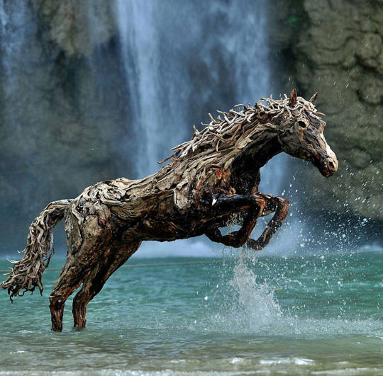 Epic-Driftwood-Horse.
