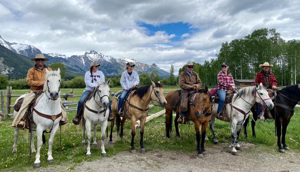 Nossa viagem anual a Wyoming e ao R Lazy S Ranch - foi cancelada. Mas eu tenho essas fotos frescas! 5