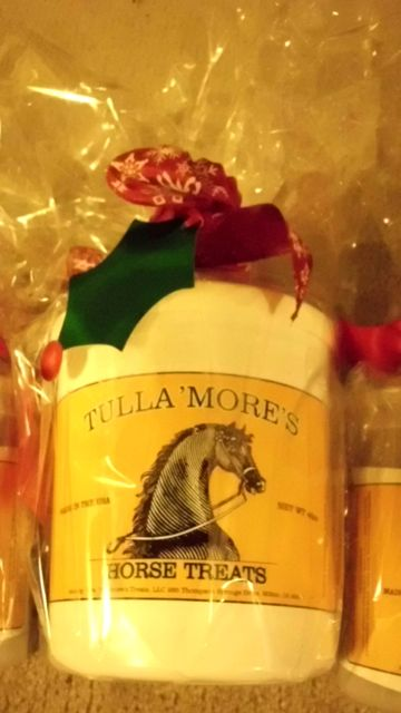 I don't know if she can still ship for Xmas... but these treats will be a hit all year long, according to my menagerie.