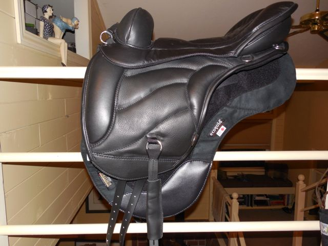 The demo Sensation Saddle that arrived today.  It is BRAND NEW!  Yowsa!  Good thing it isn't my exact size or I wouldn't return it - I loooove new saddles!